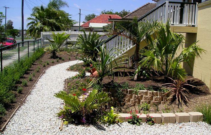 Front garden planted Nov 2004
