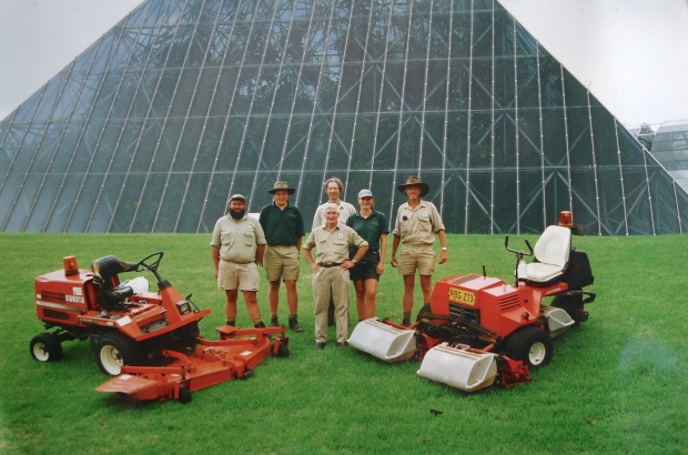 Turfculture, 2001 (L to R), Charles, ?, Bill (front), Jerry (rear), Janelle and John
