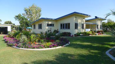 Best Seniors Garden: David and Elaine H., Barcaldine