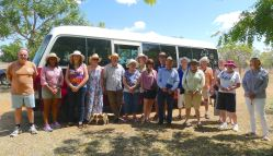 Coach tour of garden competition winners, Barcaldine